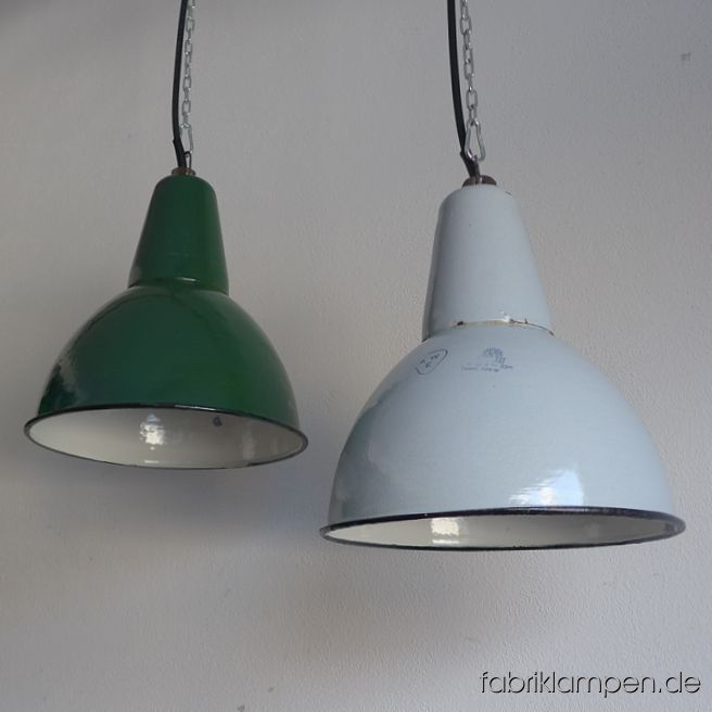 la102 alte gr ne und hellgraue emaille lampen fabriklampen. Black Bedroom Furniture Sets. Home Design Ideas