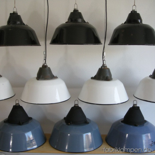 la27 farbige industrielampen fabriklampen. Black Bedroom Furniture Sets. Home Design Ideas