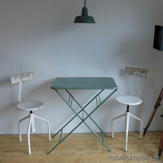 Old green metal tables in very nice original condition. Table surface ca. 73 x 52 cm (28,7 x 20,5 inches), height ca. 82 cm (32,3 inches).