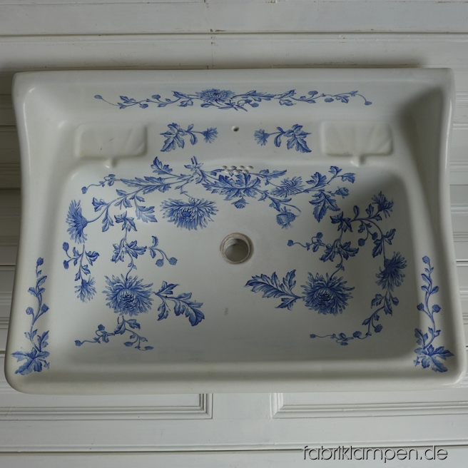 Old Art Nouveau sink with blue floral pattern. About 1890-1895, marked (ink stamp and impressed mark) Rudolf Ditmar, Znaim. Nice original condition, Craquelé, hairline crack. Very rare, only for self-collecting. Width ca. 70 cm (27,5 inches).