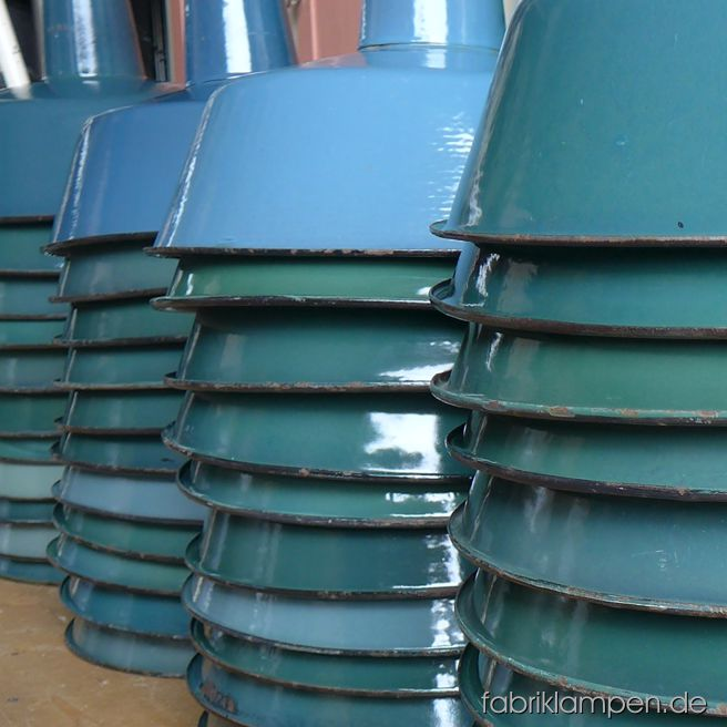 Nice collection of green enamel lamps – also in turquoise and petrol!