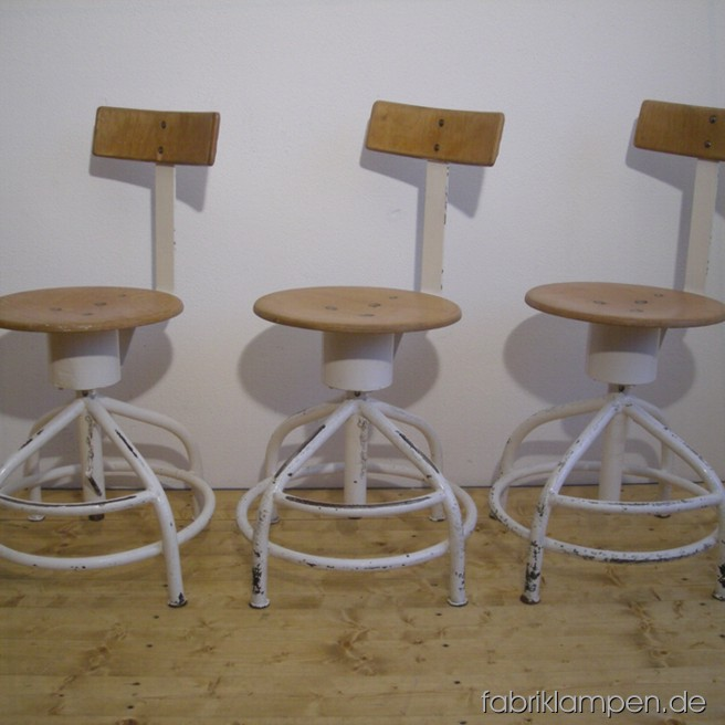 Old medical chairs (revolving chairs) in nice condition. Diameter sits ca. 38 cm, sitting height between 52 and 69 cm.